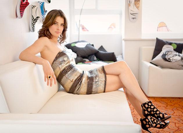 Cobie Smulers at Heavy.com