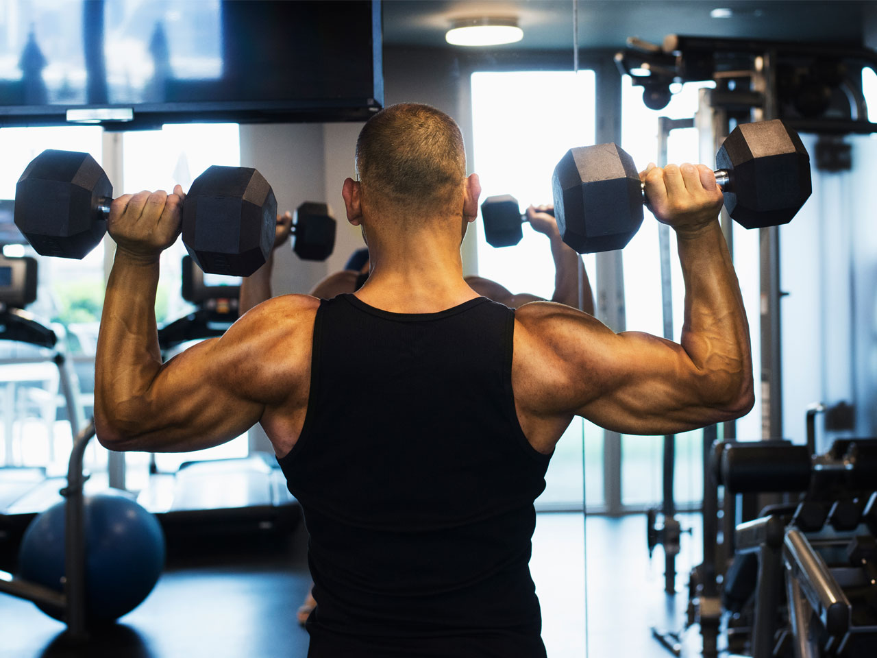 How to pump up the shoulders