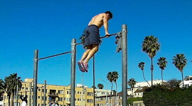 No Weights. No Worries. 25 Best Bodyweight Moves