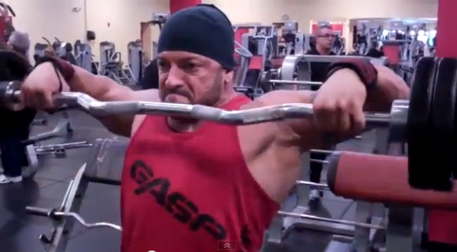 Blast Your Shoulders With the Upright Row