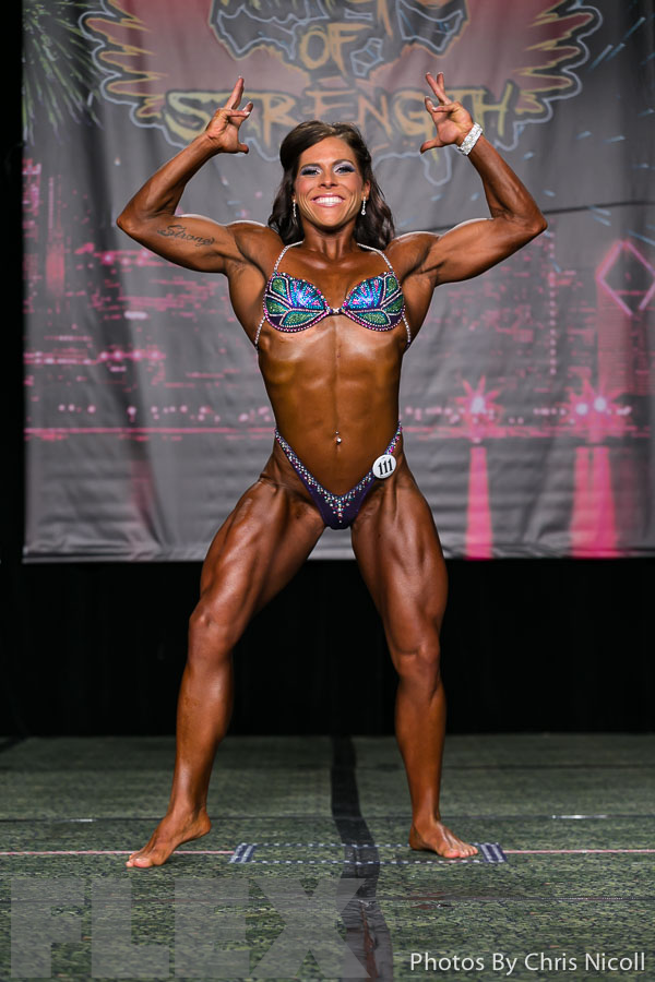 2014 Chicago Pro - Kim Baum | Muscle & Fitness