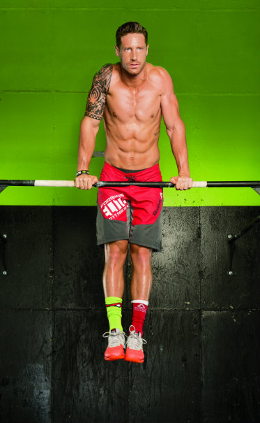 muscle-up CrossFit move