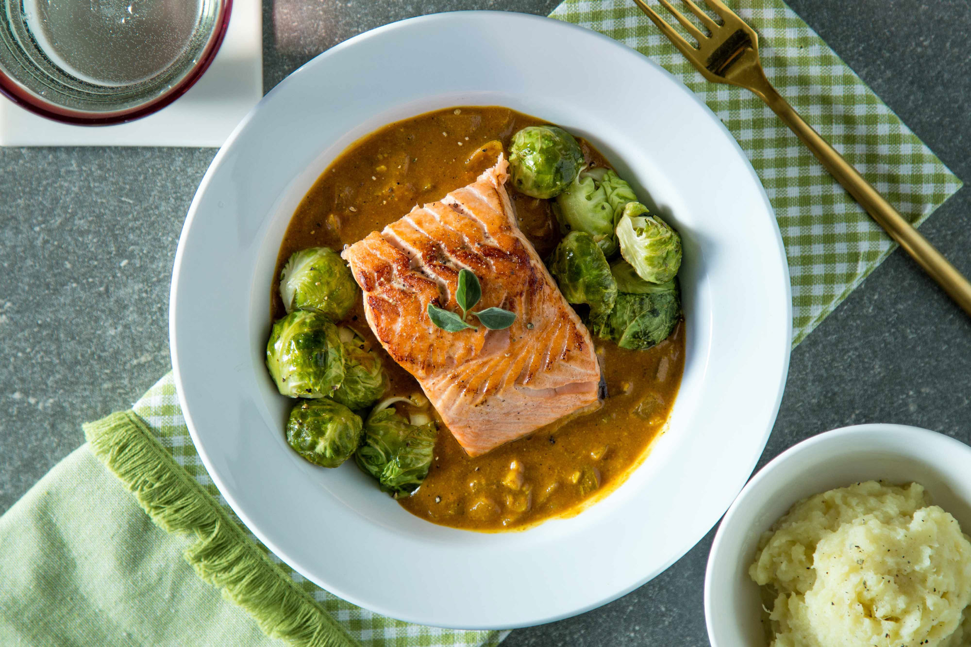 Trifecta Nutrition Paleo Curry Salmon