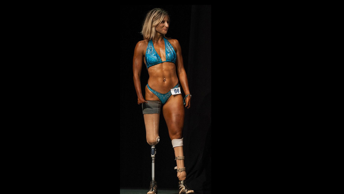 Ana Delia De Iturrondo Nude woman with four fingers and no legs competes in bodybuilding