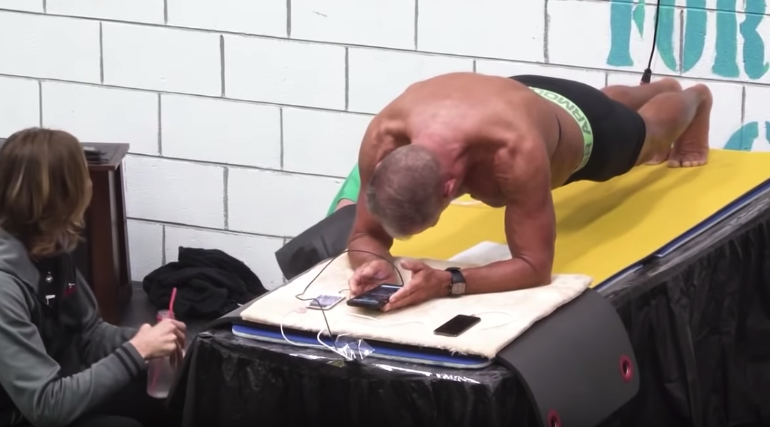 62-Year-Old Former Marine Sets New Plank World Record