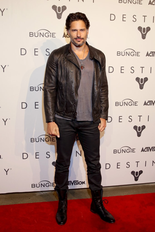 joe manganiello destiny red carpet
