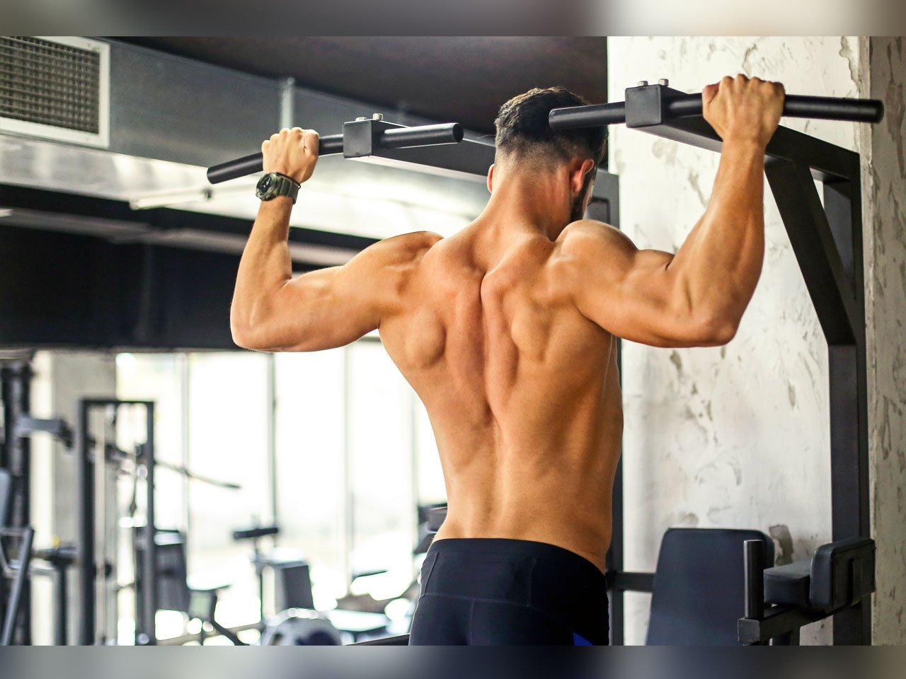 The ultimate shoulders warmup | Muscle & Fitness