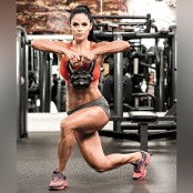 Michelle Lewin Curtsy Lunge With Shoulder Pull  thumbnail