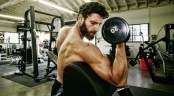 Dumbbell preacher curl for biceps thumbnail
