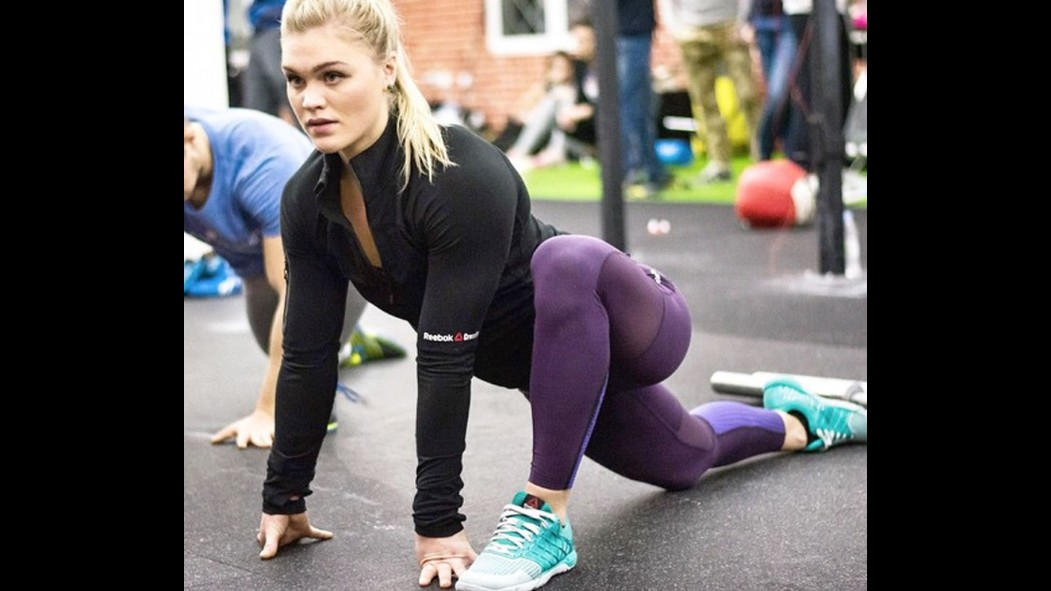 The 12 Hottest Women of the 2015 CrossFit Games thumbnail