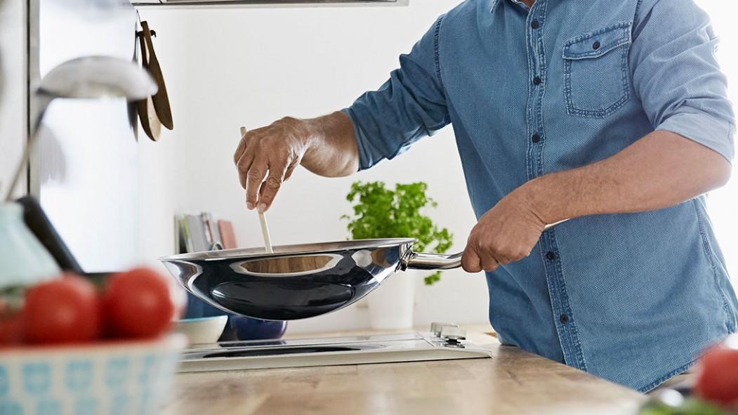 Man Cooking thumbnail