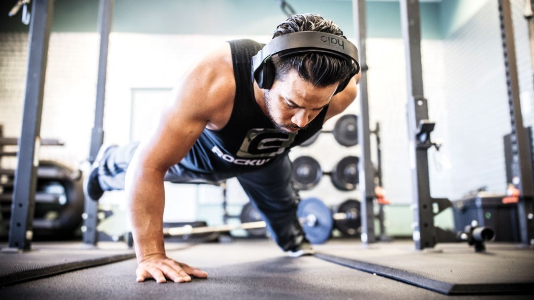 Do Electrically-Charged Headphones Make for Better Workouts? thumbnail
