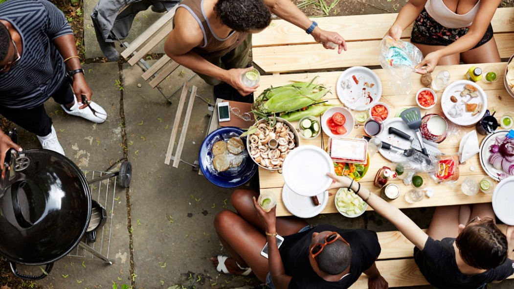 People Eating Barbecue thumbnail