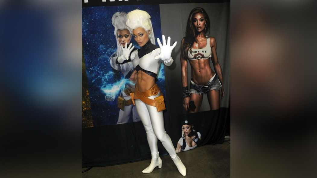 Alicia Marie Cosplay at Comicon thumbnail