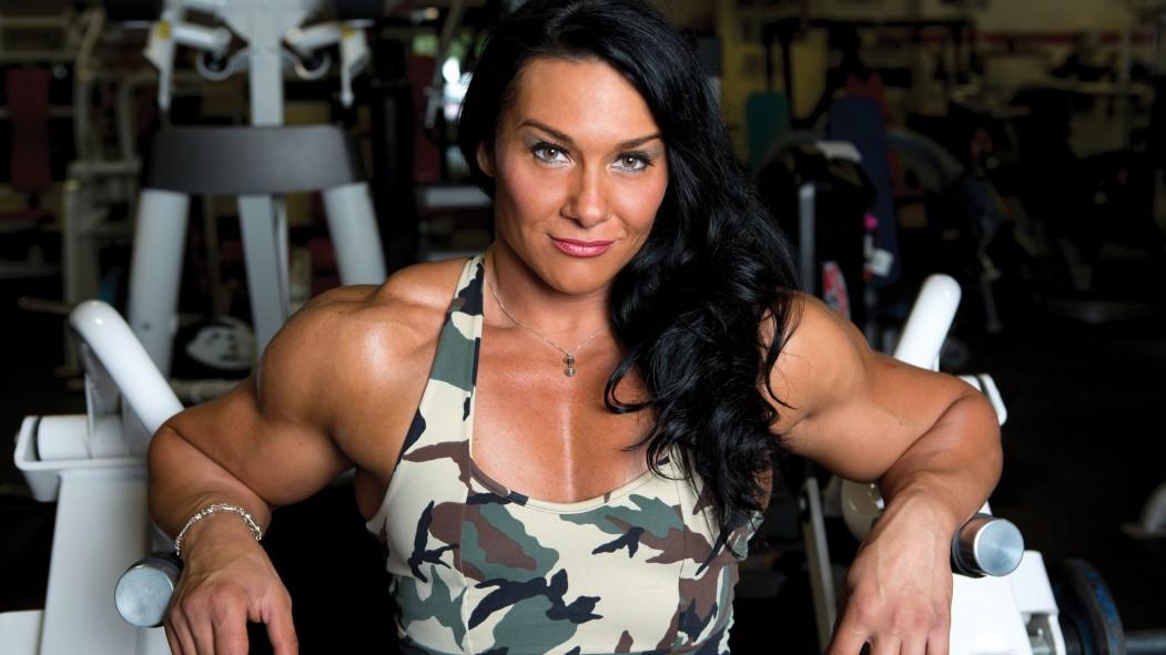 Athlete Spotlight: Alina Popa, #1 Female Bodybuilder in the World thumbnail