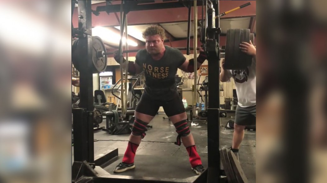 Watch This 20-Year-Old Powerlifter Hit a 901-Pound Squat  thumbnail