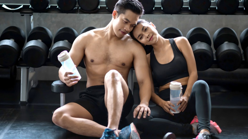 Asian-Fitness-Couple-Happy-Relationship-In-Love-At-Gym thumbnail