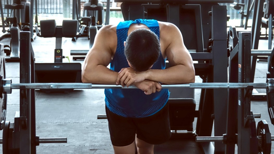 Bad-Workout-Bench-Barbell-Head-Down thumbnail