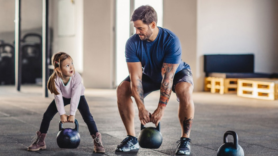 5 CrossFit Workouts to Eliminate Your Dad Bod thumbnail