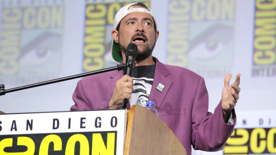 Kevin-Smith-Talking-Comic-Con-San-Diego thumbnail