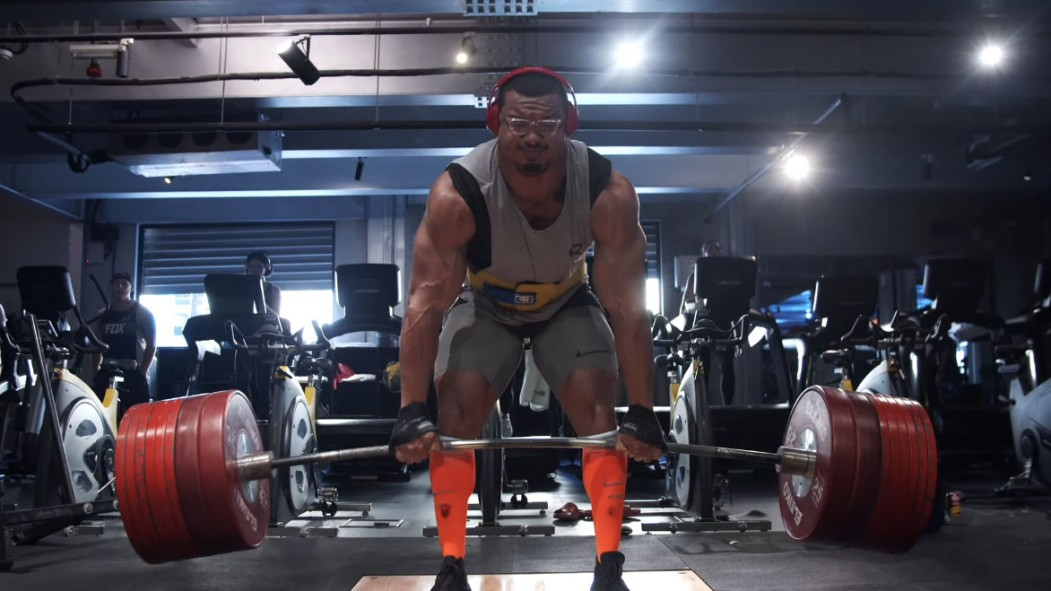 "Larry ""Wheels"" Williams attempting to deadlift 933 pounds thumbnail"