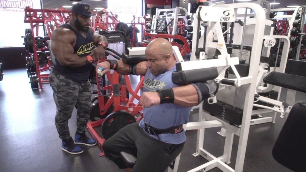 Victor Martinez and Akim Williams Train Shoulders for the 2019 Arnold Classic thumbnail