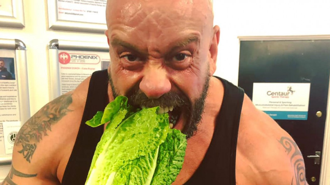 Bodybuilder Paul Kerton's eyesight improved after going vegan thumbnail