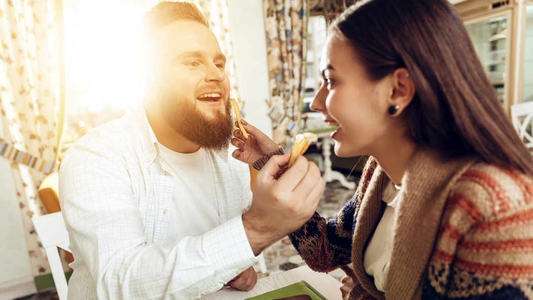 Pudgey-Male-With-Beard-Feeding-Girlfriends-French-Fry thumbnail