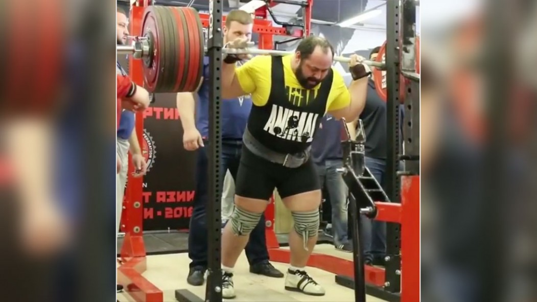 Andrey Malanichev Squatting Over 1000 pounds thumbnail