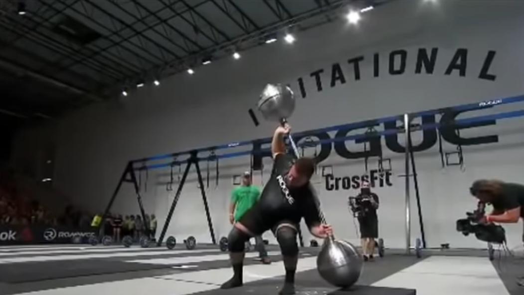 Martins Licis performing a 257 kilogram Steinborn Squat thumbnail