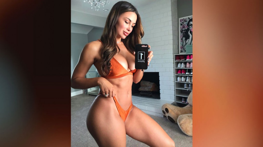 The 9 Hottest Photos of FItness Influencer Ana Cheri thumbnail