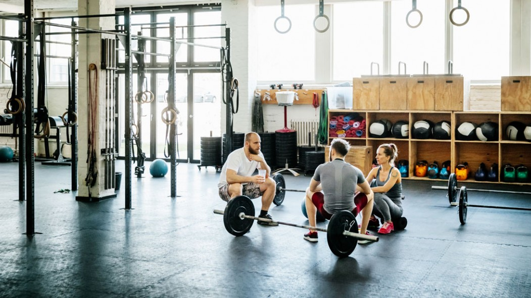 13 Things You Should Never Do in the Gym thumbnail