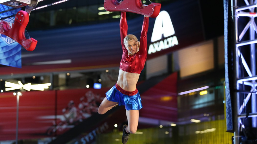 Jessie Graff on 'American Ninja Warrior' thumbnail