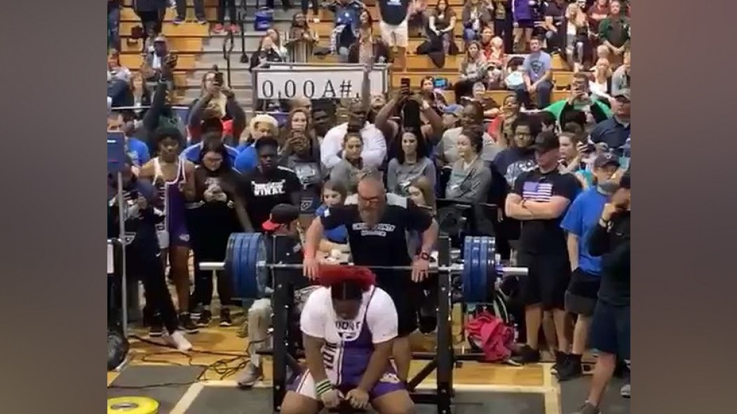15-Year-Old Mahailya Reeves Just Benched 360 Pounds | Muscle