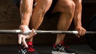 hands-grip-deadlift-chalk-workout-tips thumbnail