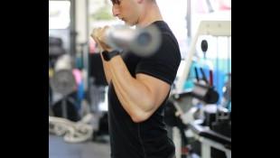 Sleeve-Splitting Arms Workout thumbnail
