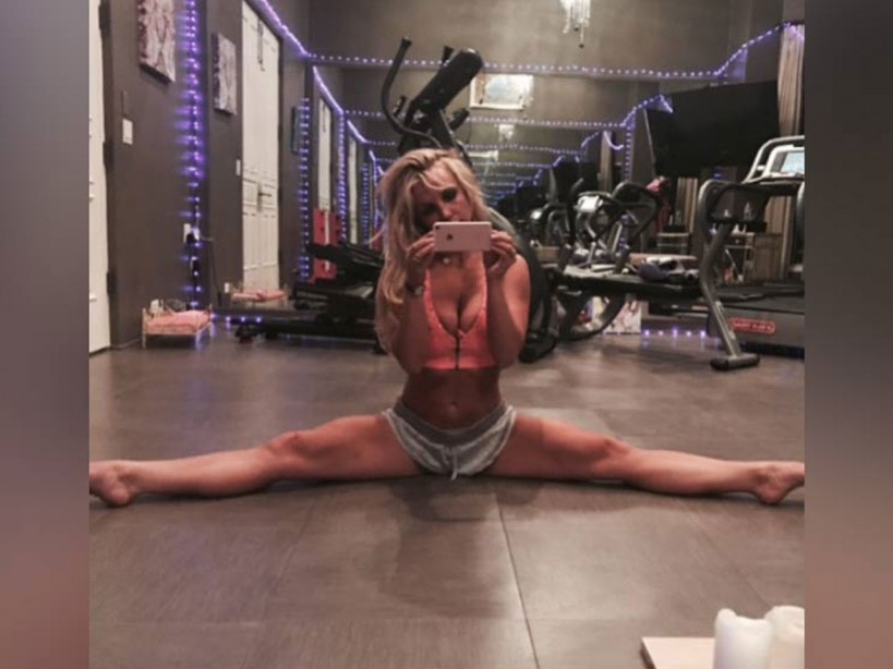 10 of Britney Spears' best workout photos and videos ...