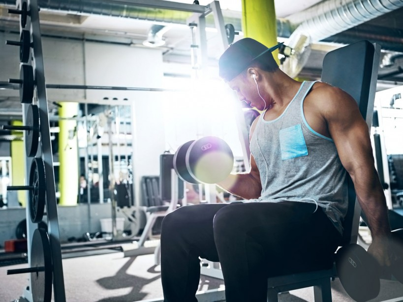 The Workout to Build Your Biceps and Triceps at the Same Time