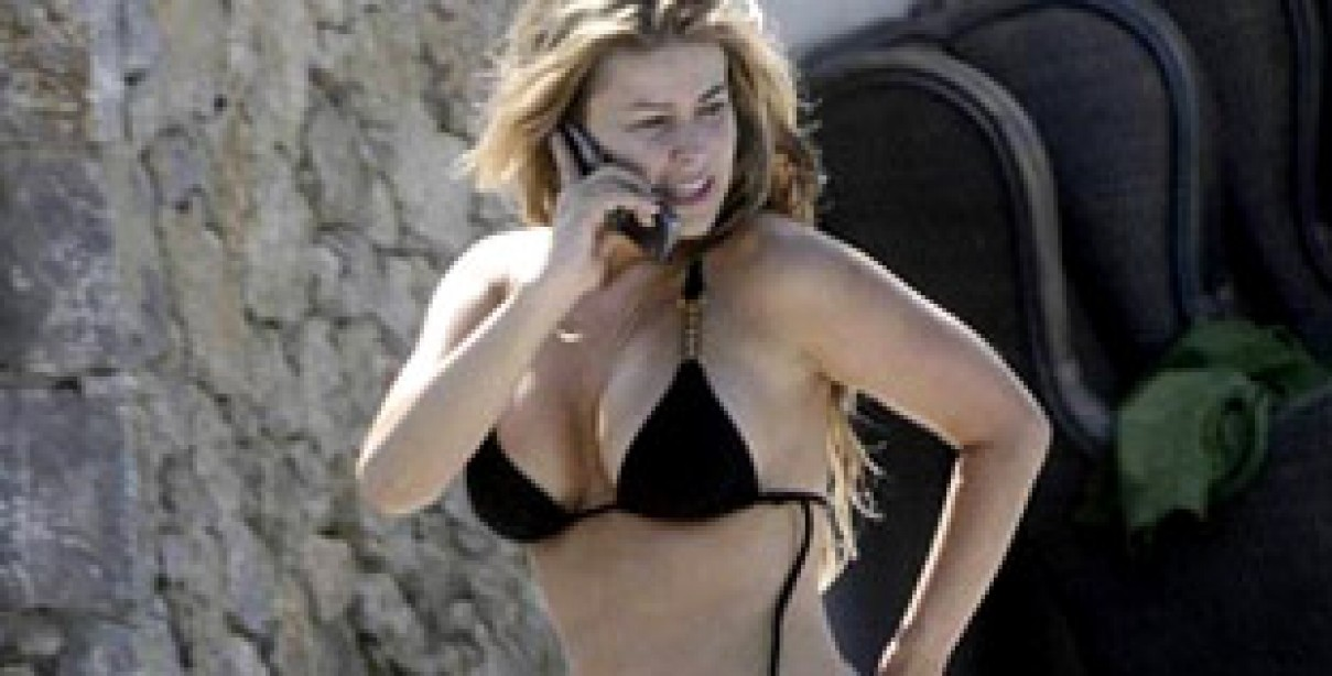 Is Carmen Electra Hot Even Without Makeup?