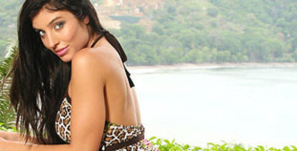 Featured Model: Maya Rochelle