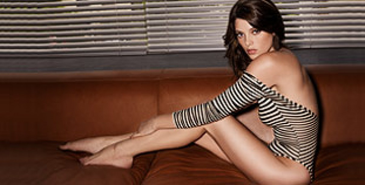 Take a Bite Outta Ashley Greene