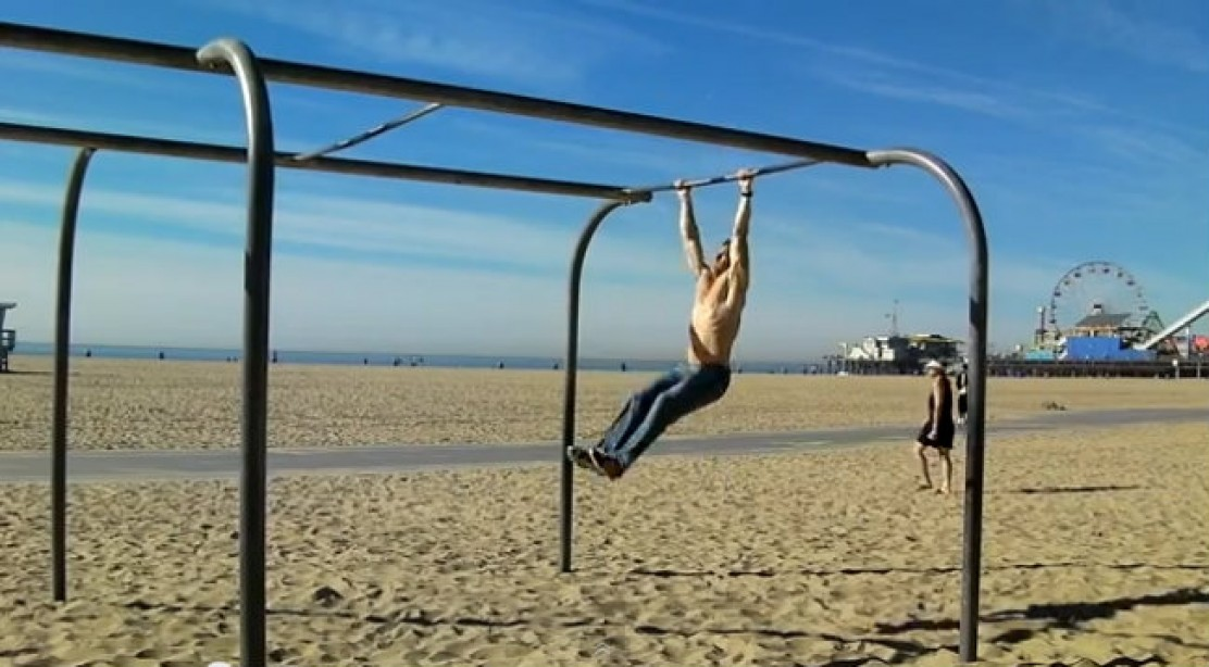 Muscle-up to Flying Pull-ups