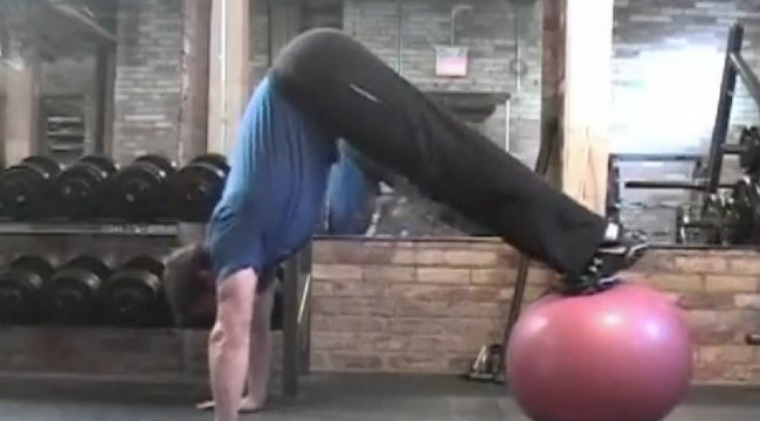Get a Superhero Physique with this Combo Move