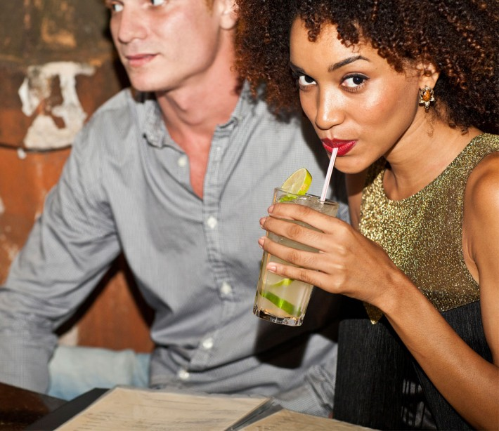 Here's What to Do When Your Best Friend's (Hot) Girlfriend Hits on You
