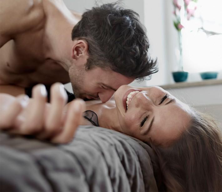 9 izrednih načinov, kako zadovoljiti njene prsi-8398