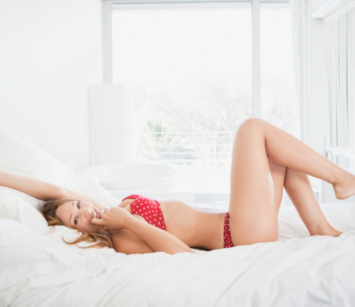 5 sex moves that will rock her world, according to a lesbian