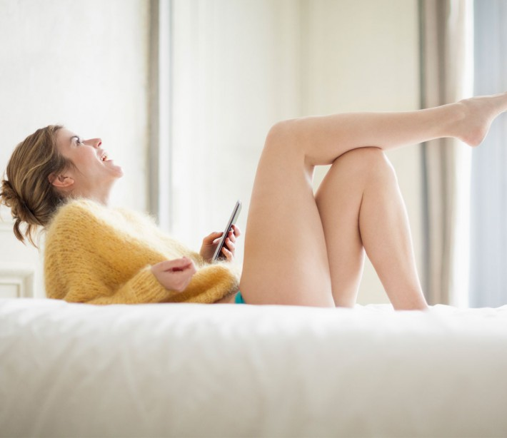 How to initiate sexting with a new girl