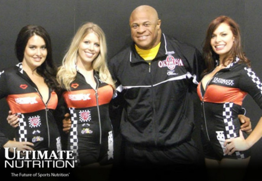 Ultimate Nutrition Signs IFBB Champion Bill Wilmore
