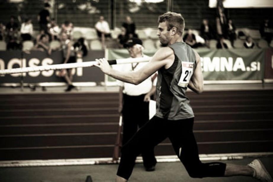 Pole-Vaulter Darren Niedermeyer Aims to Make U.S. Olympic Team