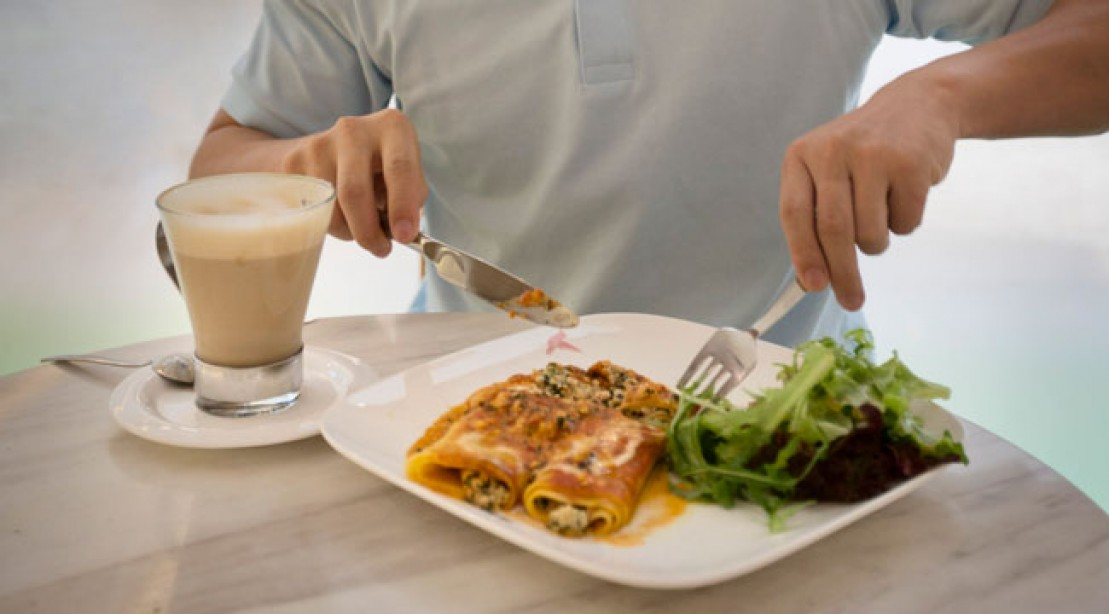 How to eat healthy while dining out